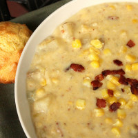 Slow Cooker Corn & Potato Chowder